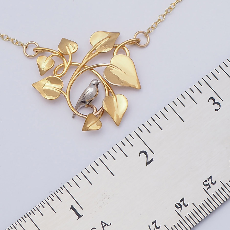 Dove Embraced, Gold-size