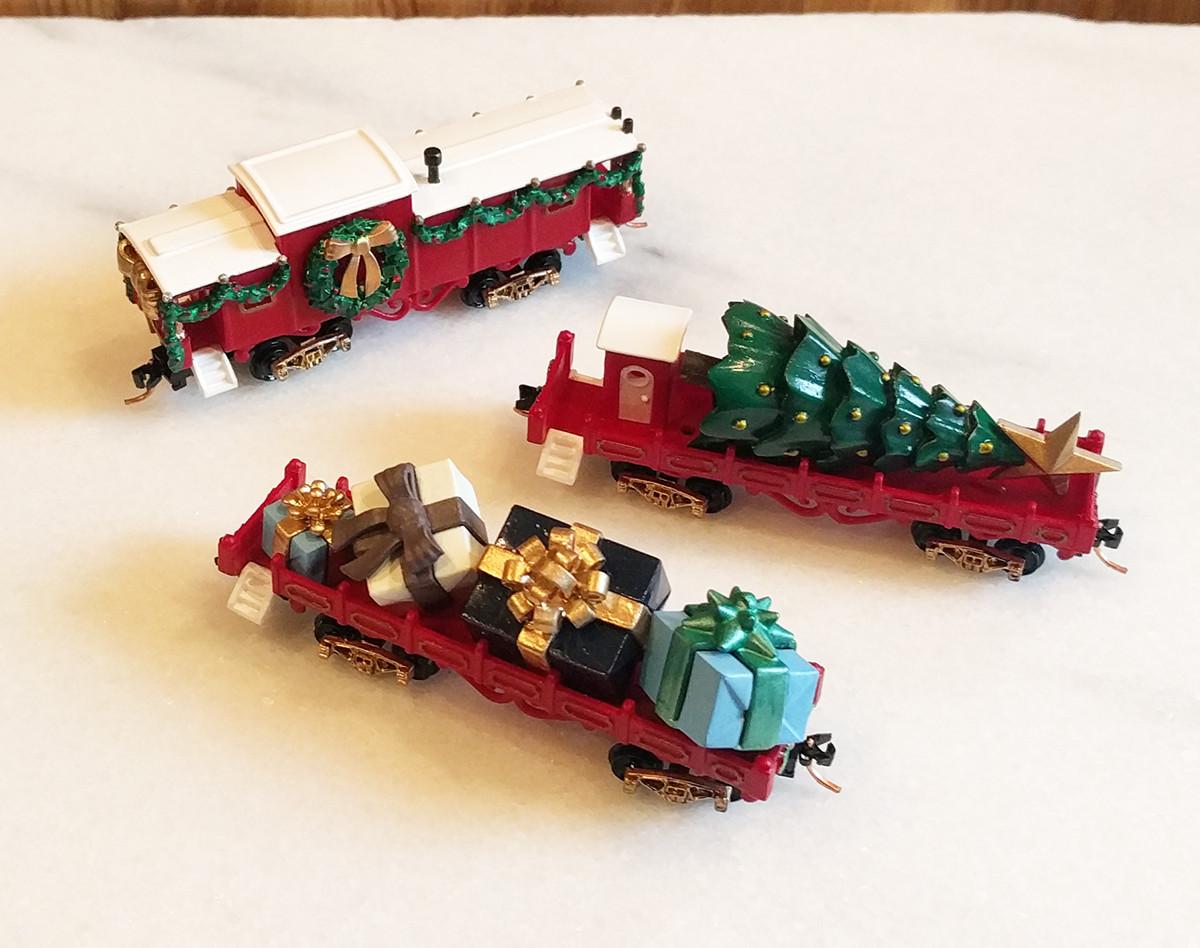 Classic Christmas 3 train Cars