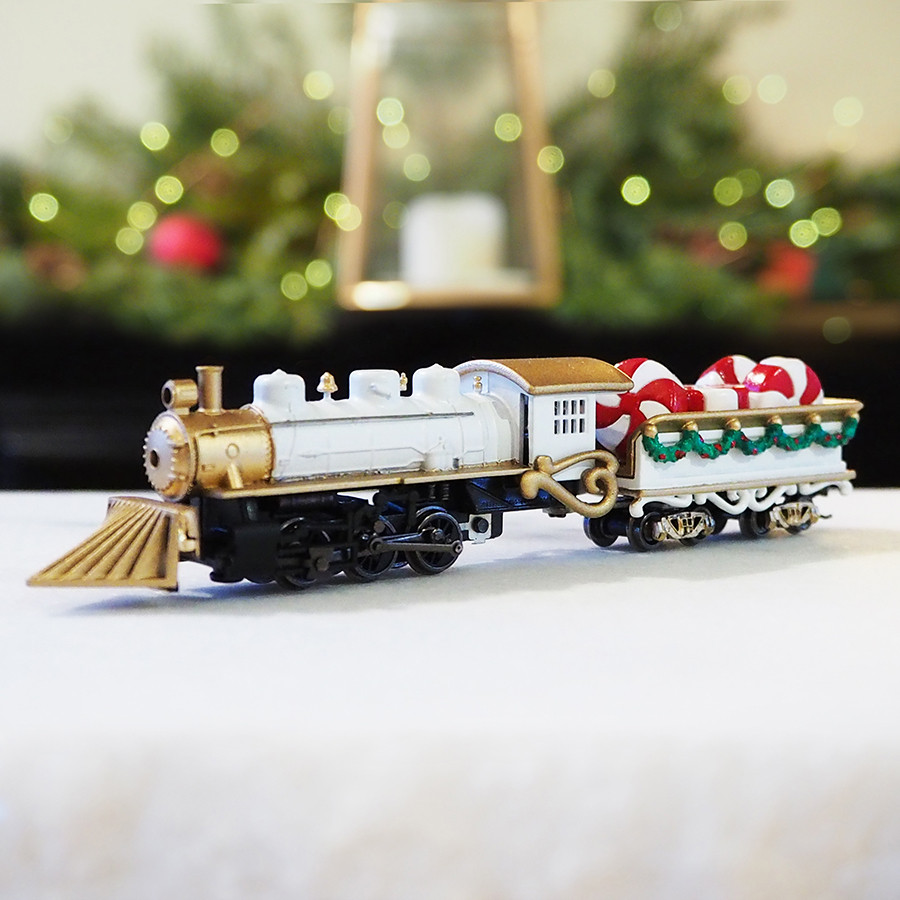 Locomotive Christmas Centerpiece, White