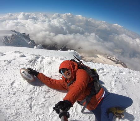 【23カ国目】ジョージア最高峰、カズベキ山(5,033m)