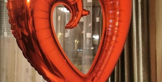 Uçan İçi Boş Kalp Balon 100 cm