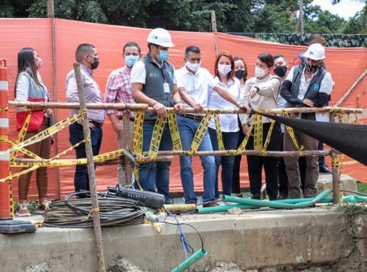 El Alcalde Braulio Espinosa hace el Recorrido por 2 obras de gran importancia para Envigado