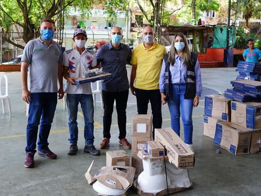40 Familias reciben kit de baño en el Barrio La Gabriela