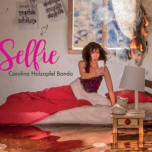 Carolina_Holzapfel banda_Selfie_COVER.jp