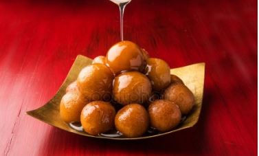 Sweet Sweets - Gulab Jamun (A delicious Indian Sweet Dessert)