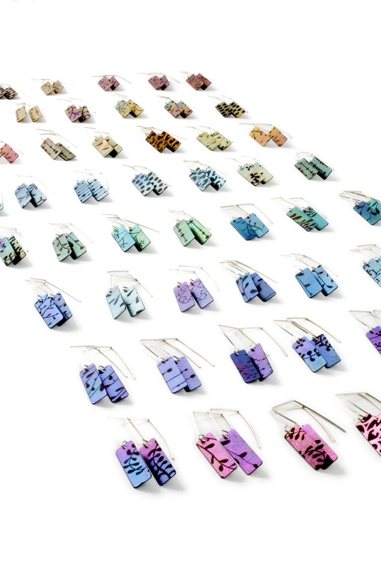 titanium earrings Tint