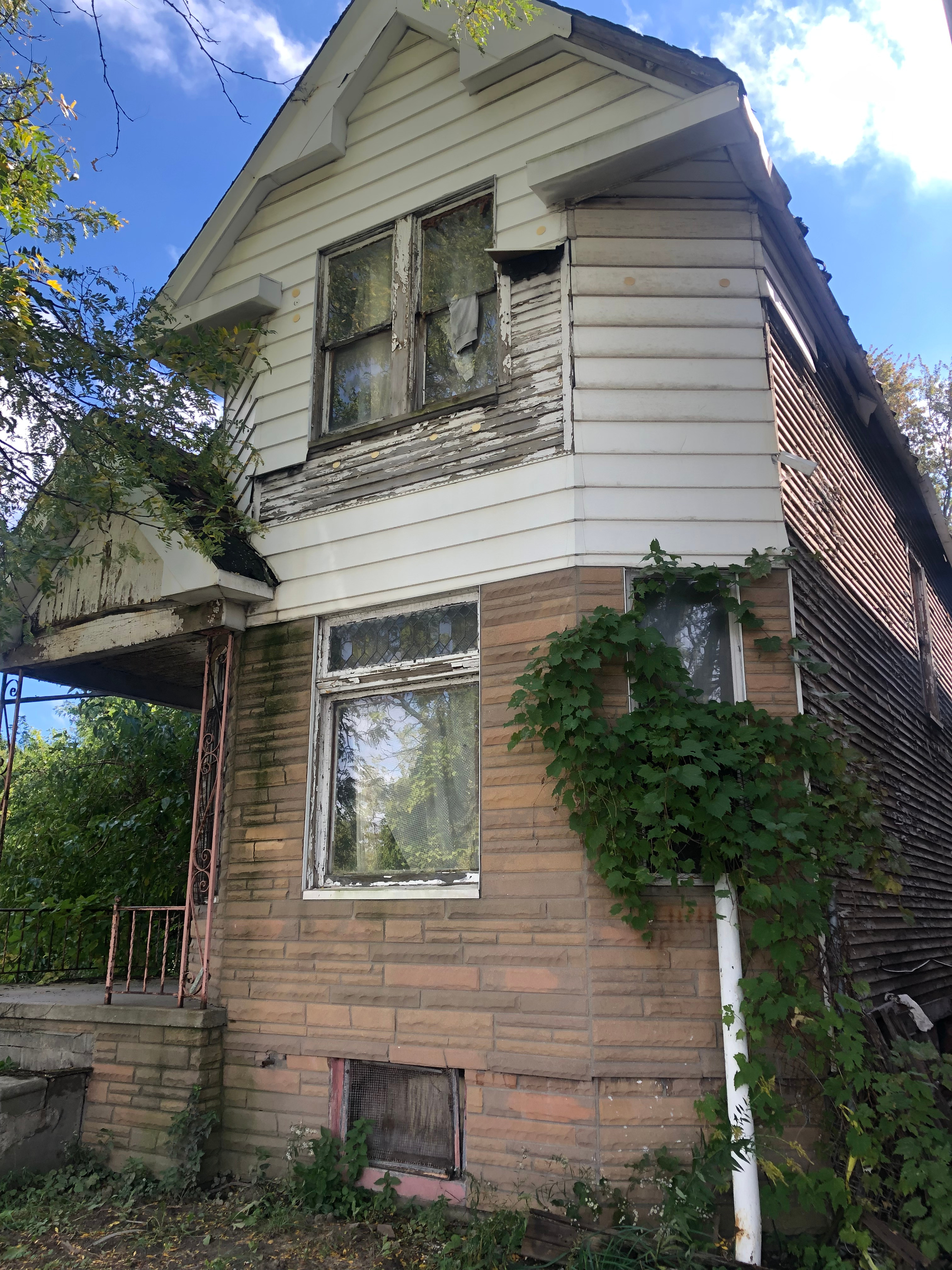558 Holbrook St