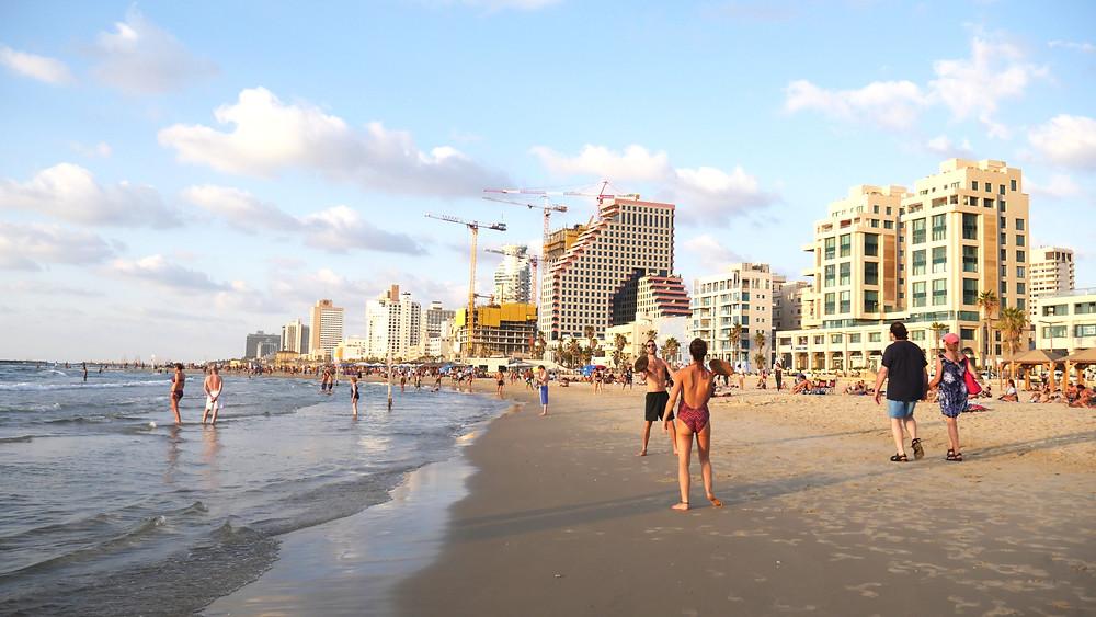 Die Stadtverwaltung von Tel Aviv hat angekündigt, dass sie den Fahrradverleih Tel-O-Fun schließen wird. Bis August werden die 1.900 charakteristischen hellgrünen Fahrräder und ihre Andockstationen, die 2011 in Betrieb genommen wurden, aus dem Stadtbild verschwinden.