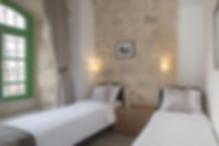 In Jerusalem und 2,3 km von der Kirche aller Völker entfernt bietet das Malka Hostel Express-Check-in und Check-out, Nichtraucherzimmer, einen Garten, kostenfreies WLAN und eine Bar. Diese Unterkunft bietet einen Zimmerservice und eine Terrasse.    Die Unterkunft verfügt über eine 24-Stunden-Rezeption, eine Gemeinschaftsküche und eine Gepäckaufbewahrung.  Als Gast im Hostel können Sie ein Buffet oder ein koscheres Frühstück genießen.    Der Garten von Gethsemane liegt 2,4 km vom Malka Hostel entfernt und den Felsendom erreichen Sie nach 2,4 km. Der nächstgelegene Flughafen ist der 53 km von der Unterkunft entfernte Flughafen Ben Gurion.    Die Unterkunft bietet einen kostenpflichtigen Flughafentransfer.Laut unabhängiger Bewertungen ist dies der beliebteste Teil Jerusalems für unsere Gäste.    Dies ist die Meinung der Gäste über das Malka Hostel Jerusalem:Das Hotel ist ein Low-Budget-Hostel mit privaten Zimmern, einem guten Ort mit freundlichem Personal.    Es liegt ganz in der Nähe