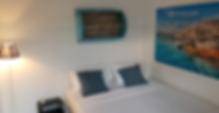 In Tel Avivs lebhaftem florentinischen Viertel bietet dieses Hostel für junge Erwachsene helle Schlafsäle und Zimmer mit Klimaanlage und kostenfreiem WLAN. Jedes Bett bekommt ein kostenloses Schließfach.    Das Florentine Backpackers Hostel verfügt über eine geräumige Gemeinschaftsterrasse mit Sofas und Tischen. Es gibt auch eine Gemeinschaftsküche, die Sie kostenlos nutzen können.    Sie profitieren von kostenfreien Festnetzgesprächen innerhalb Israels und 2 Computer mit Internetzugang können in der Unterkunft ebenfalls genutzt werden. Handtücher und Bettwäsche werden kostenlos zur Verfügung gestellt.
