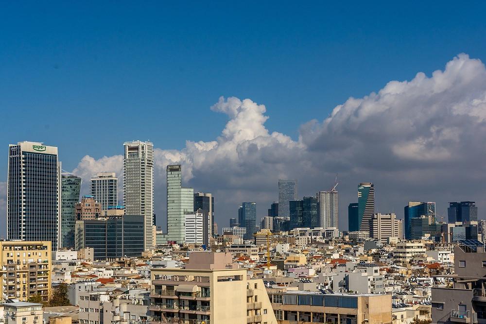 Mit der Wiederaufnahme des internationalen Flugverkehrs Anfang Juni 2020, gelten am Ben-Gurion-Airport Tel Aviv besondere Sicherheitsbestimmungen um eine erneute Covid Ausbreitung zu verhindern. So dürfen Personen, die Fieber haben, den Terminalbereich nicht betreten