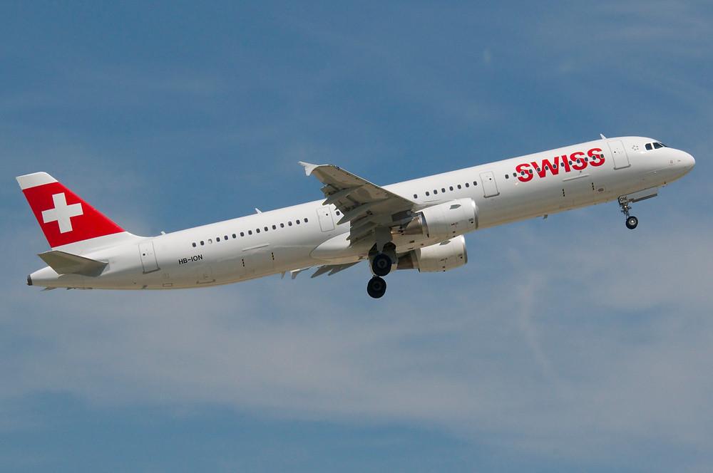 El Al bedient im Regelfall die Strecke von Zürich nach Tel Aviv mit Boeing B737-800 und B737-900. Swiss setzt nachfragebedingt einen Airbus A321 oder gelegentlich auch einen Airbus A333 ein.