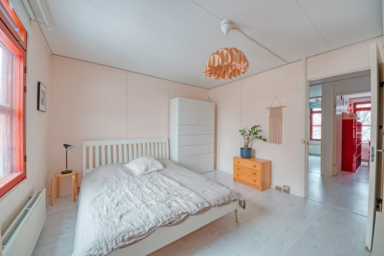 Masterbedroom3.jpg