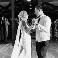 Faye_Amare_Photography_Abbie_and_Brendan_Curds_Hall_Barn_Norfolk_9-min.jpg