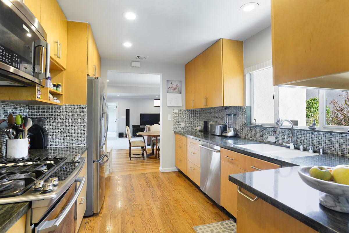 3300 Corinth Avenue, Mar Vista