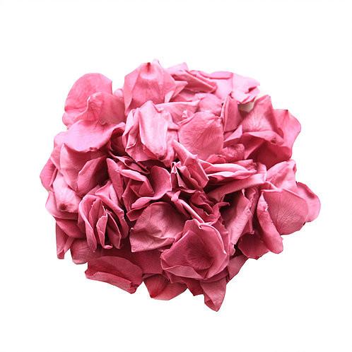 rose petal decor, decor, decor ideas, ruby roses, ruby rose petals,  wedding decor ideas, ideas for wedding decor, aisle decor, aisle decoration, aisle decoration