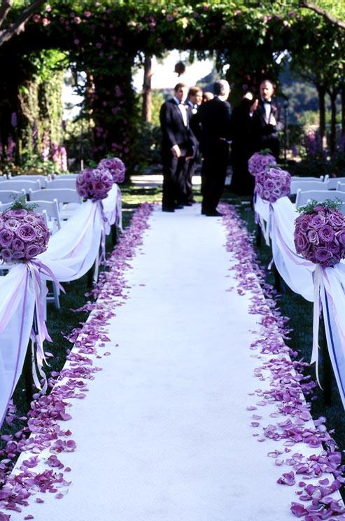 rose petal decor, decor, decor ideas, lavender roses, lavender rose petals,  wedding decor ideas, ideas for wedding decor, aisle decor, aisle decoration, aisle decoration