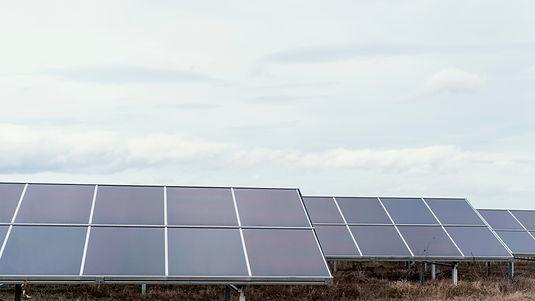 lots-solar-panels-field-generating-elect