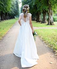 real bride - hutsalon maschalone photo credit sarah mikeleitis headpiece hochzeit wedding