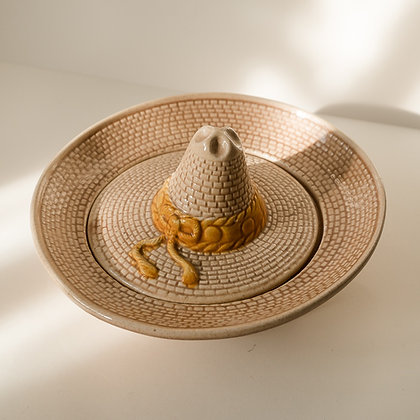 Sombrero dip dish