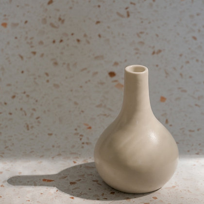 Vase 01 by b. side projects