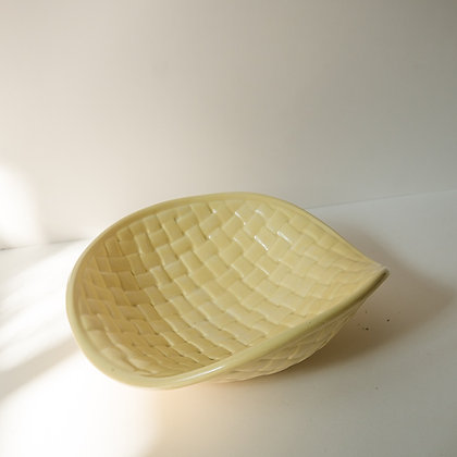 Basketweave bowl