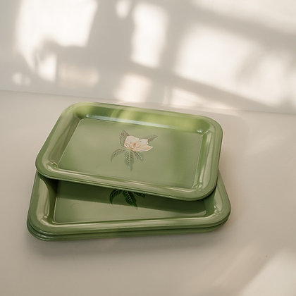 Green tray with flower