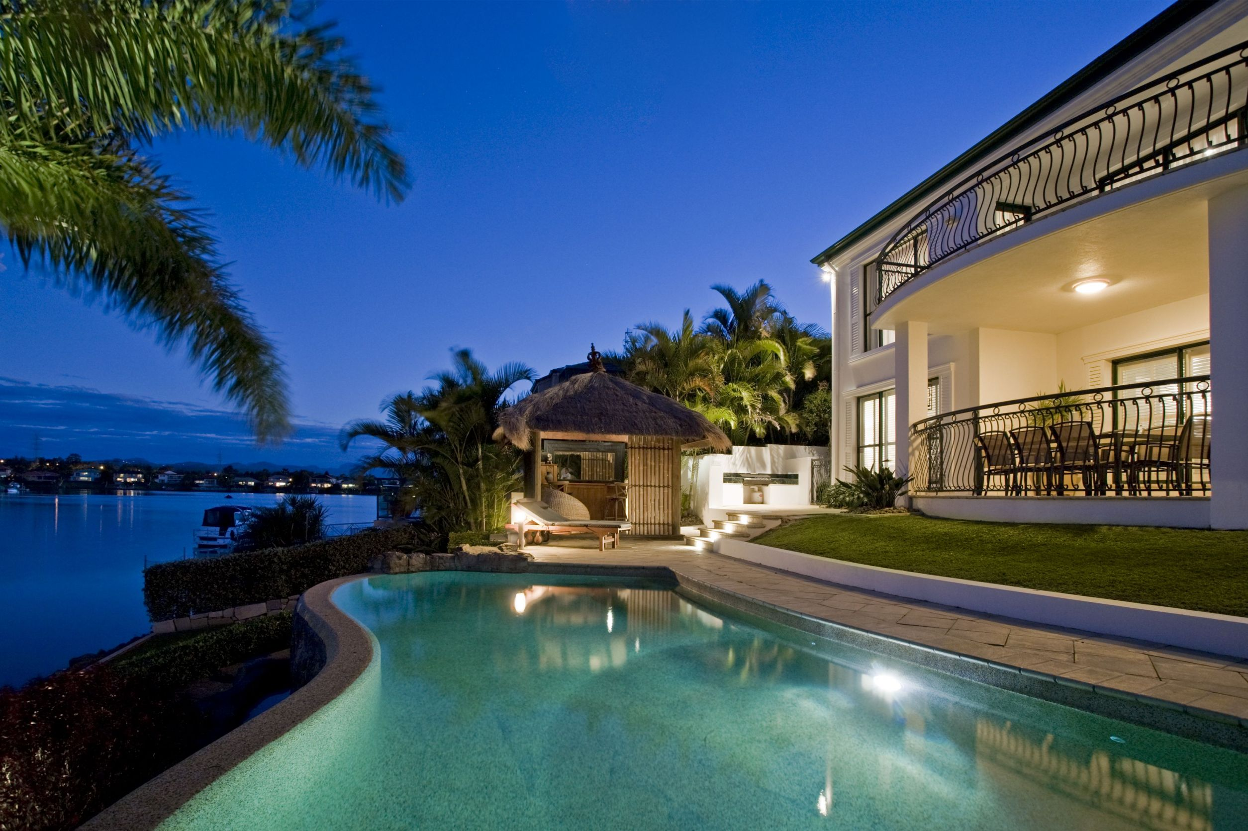 Waterfront Luxury Estates and Villas