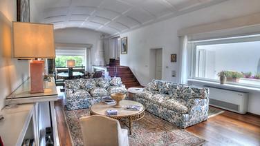 Capri Sun Room