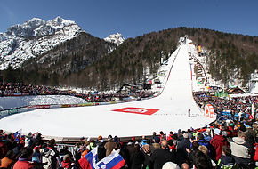 F002393-ales_fevzer_flying_hill_planica_