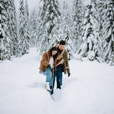 WINTER COUPLES SESSION   SNOQUALMIE PASS   TOMMI & NICK