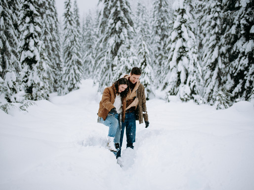 WINTER COUPLES SESSION | SNOQUALMIE PASS | TOMMI & NICK
