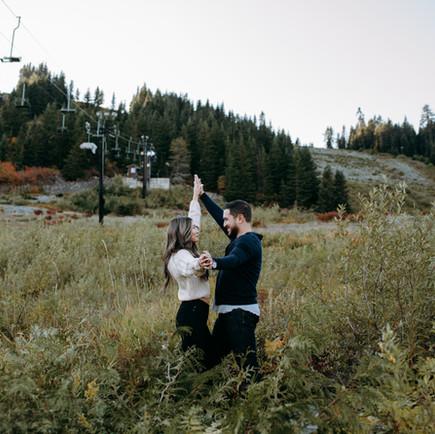 A VERY PNW ADVENTURE ENGAGMENT | ANNIA + JOSH | SNOQUALMIE, WA