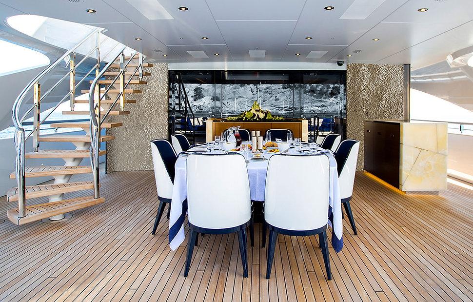 Yacht_Oliver_Web-256182613.jpg