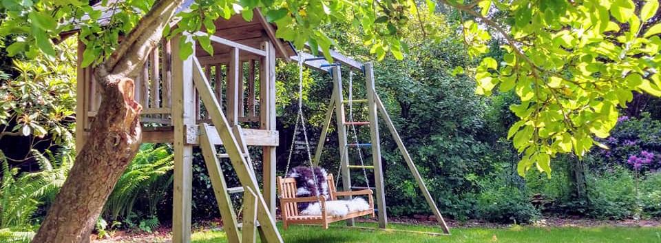 Retraitehuis-Bloeiplaats-schommel-trampoline