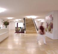 Das Foyer der Geburtsklinik