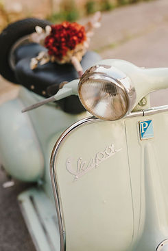 Alquiler Vespa 125 N en barcelona y alrededores para eventos bodas
