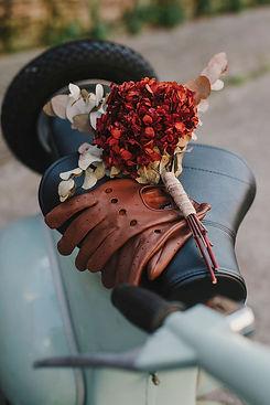 Alquiler Vespa clasica en barcelona para bodas eventos spots cine