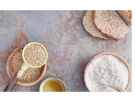 Buchweizenbrot mit Nüssen und Samen (glutenfrei und ohne Ei)