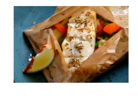 Fisch mit Zitronengras im Backpapier