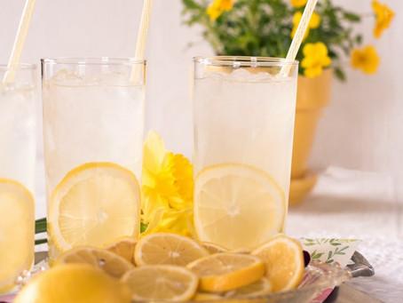 When life gives you lemons, make lemonade / Faire contre mauvaise fortune bon cœur