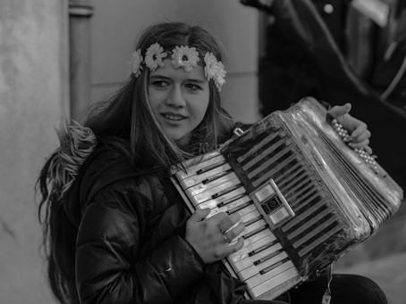 It's Music Day! /                             C'est la fête de la musique !