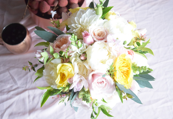 Round and slightly organic style bouquet