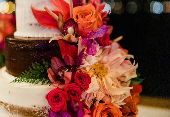 Cake flowers in bright colors