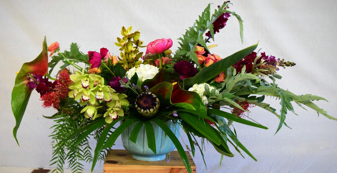 Large tropical nouveau arrangement