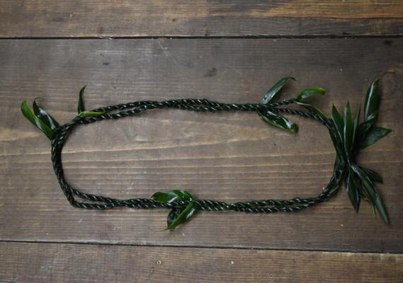Double ti leaf lei
