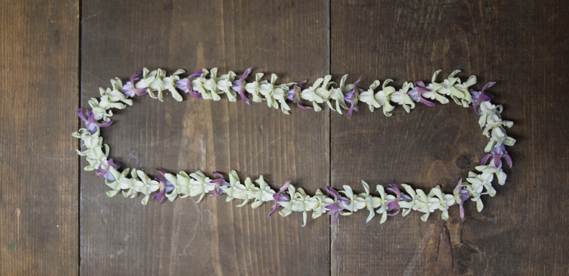 Crown flower lei