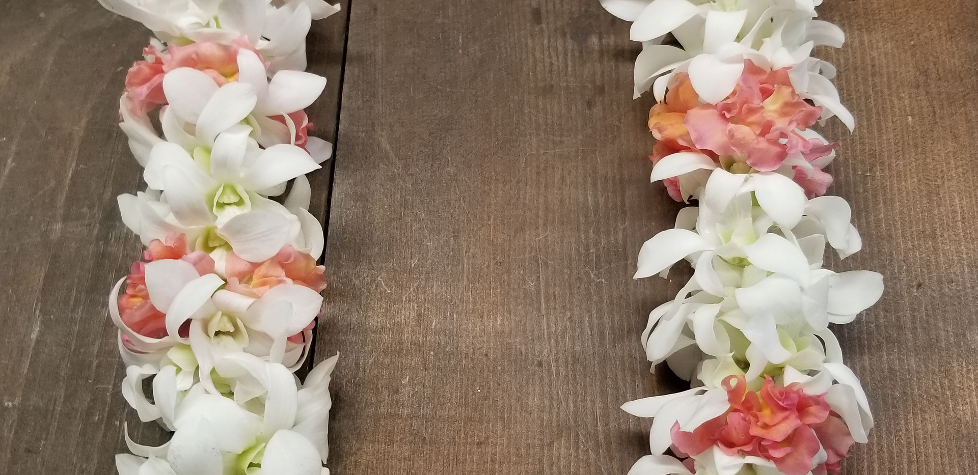 Rope-style orchid and bougainvillea leinvillea lei