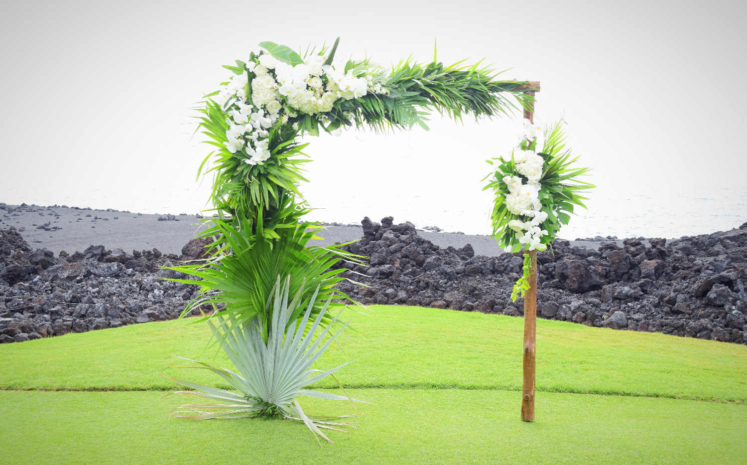 Tropical white and green arch Coordination by Jots of Thoughts