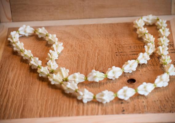 Crown flower lei